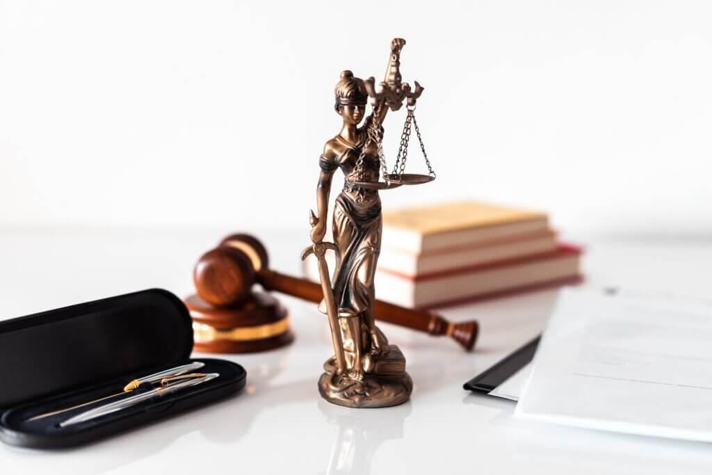 адвокаты по налогам